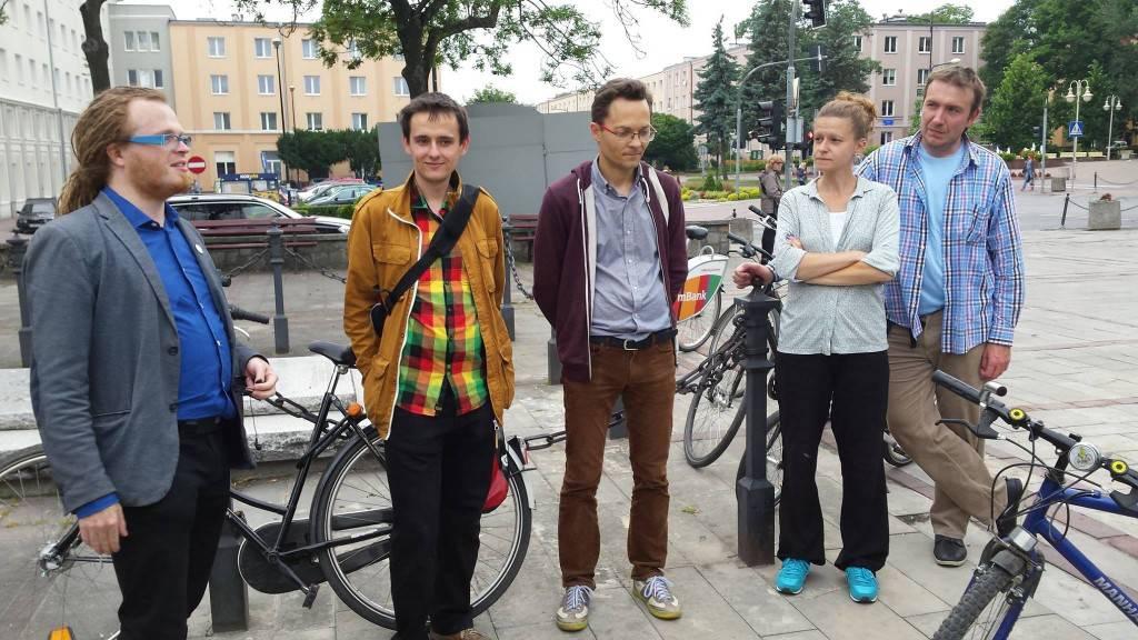 Nasz prezes oraz przedstawiciele i przedstawicielka sieci Miasta Dla Rowerów.