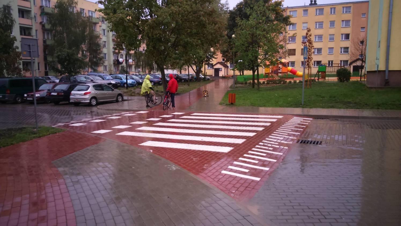 Lubartów - wyniesione przejścia i przejazdy dla rowerzystów.