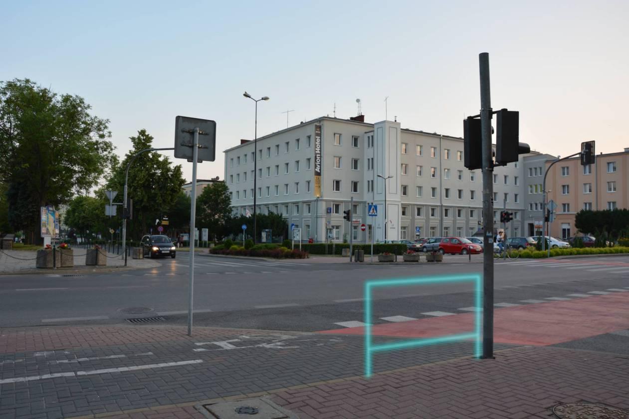 1) podpórka Wyszyńskiego-Niepodległości Plac Konstytucji 3 Maja